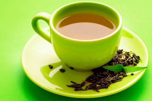 при непроходимости кишечника полезен зеленый чай