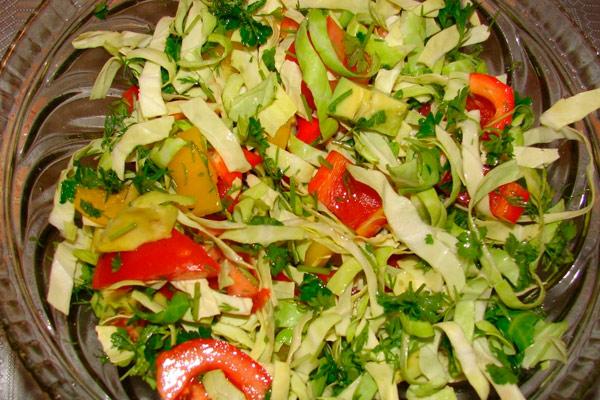 салат из свежих овощей после операции