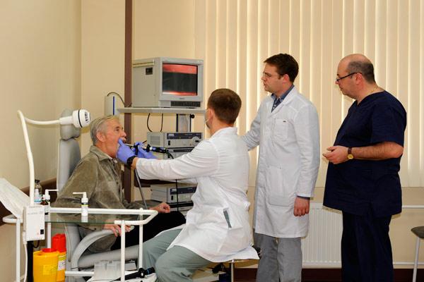 показания к назначению ларингоскопии