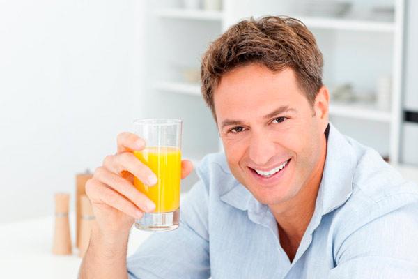 рекомендуется пить компоты и соки